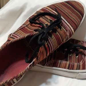 Airwalk Tan striped women's sz9 slightly used